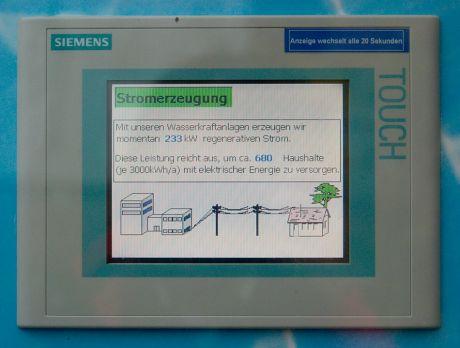 Mit unseren Wasserkraftanlagen erzeugen wir momentan 233kW regenerativen Strom: (November 2009 am Wasserwerk Strohn/Sengbachtalsperre)