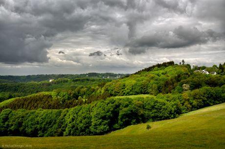 Pfaffenberg, Blick ins Tal der Wupper und auf Widdert