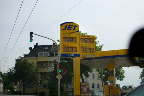 Tankstelle Preistafel: am Sonntag