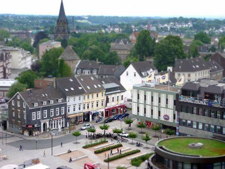 Solinger Neumarkt von oben: (die Originalaufnahme stammt von Möni Quarch)