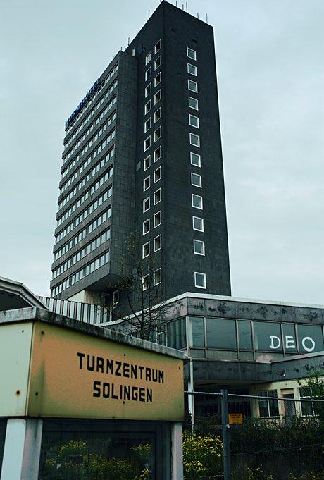 Turmzentrum Solingen: demnächst das Zentrum der Investitionsruinen mit Parkhöflichkeiten für Bankster, unterkellert