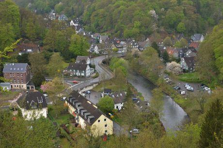 Blick auf Unterburg: vom Burger Diederichstempel
