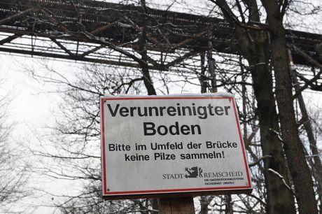 Verunreinigter Boden: Bitte im Umfeld der Brücke keine Pilze sammeln - Stadt Remscheid