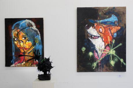 "Volker #1: links: 'ohne title"", rechts: ""Robin 2.0', Acryl auf Wellcarton, 97x129cm"