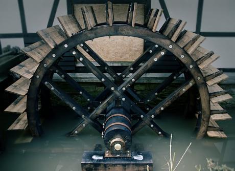 unterschlächtiges Wasserrad Baujahr 2010: am Balkhauser Kotten