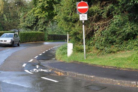 Einbahnstraße: mutige Fahrradfahrer dürfen weiter