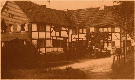 Weinsbergtalstraße: (Foto aus Lunkenheimer - Schleifkotten an den Solinger Bächen, Seite 176)
