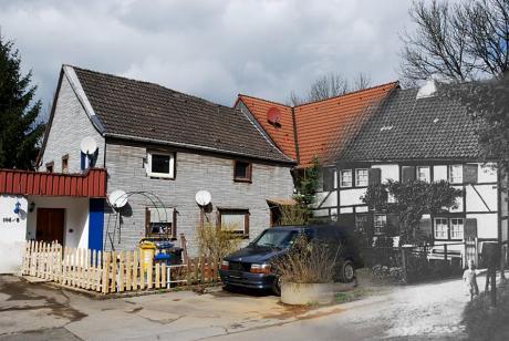 Fotomontage: links 2010, rechts 19??