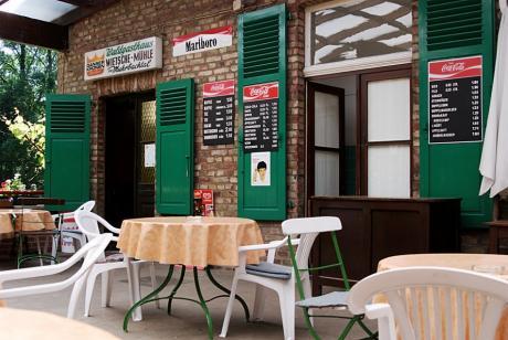 Wietsche-Mühle: Einst berühmt, berüchtigt für ihre Beeren-Weine (+ Bären-Kater)